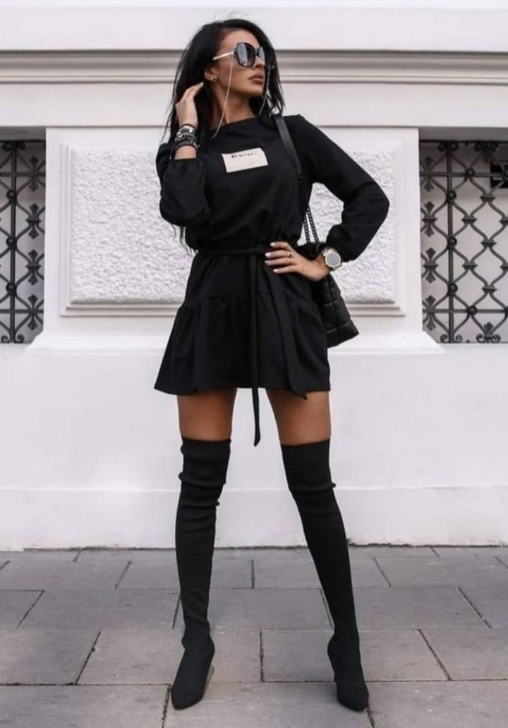 Eteği Kloş Kuşaklı Viscon Elbise (Siyah)