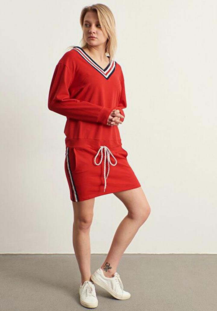 V yaka Biyeli Yeni Sezon Spor Elbise(Kırmızı)