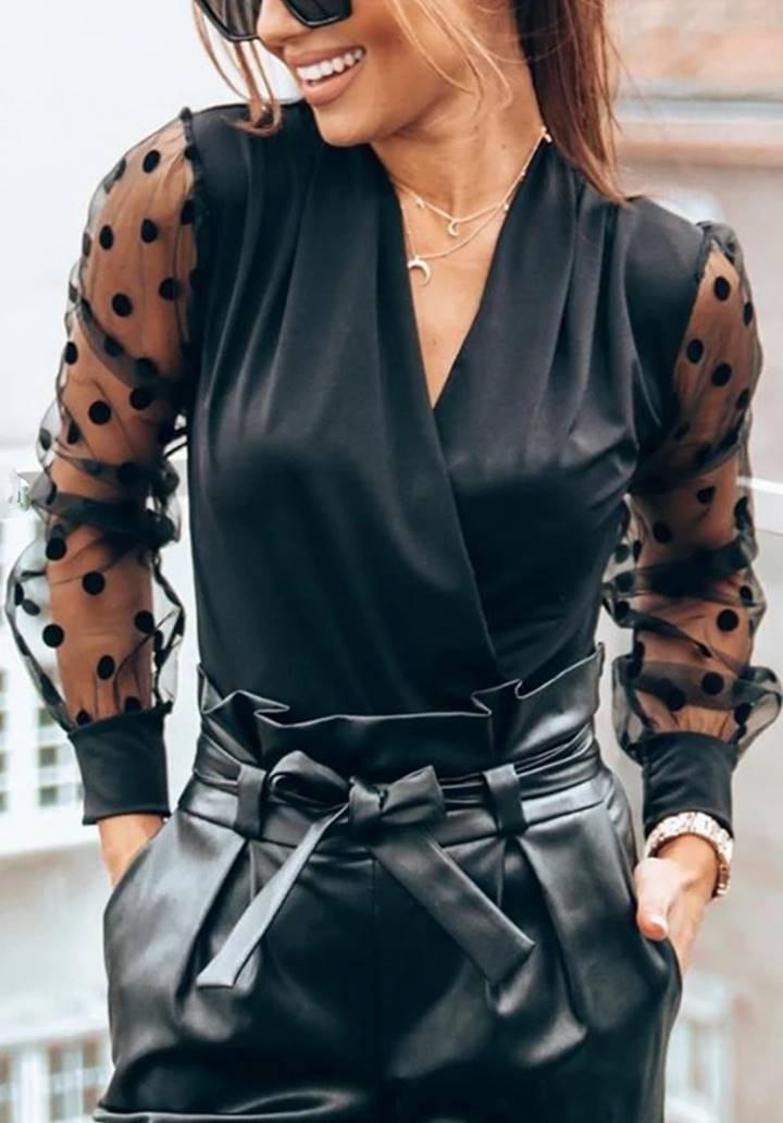 Siyah Kruvaze Yaka Kolları Tül Üzeri Puantiyeli Bluz