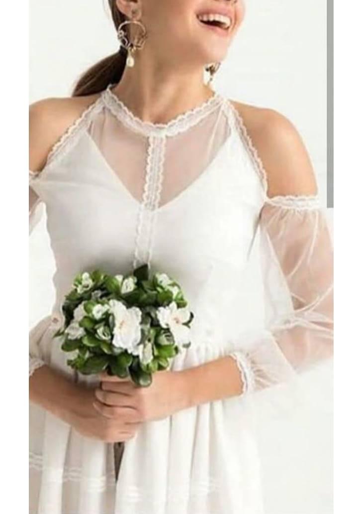 Ekru eteği dantel omuz dekolteli tasarım elbise
