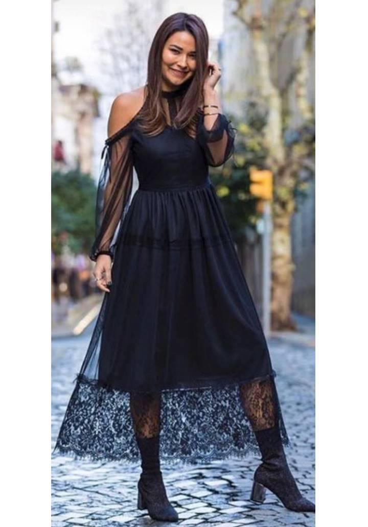 Siyah eteği dantel omuz dekolteli tasarım elbise