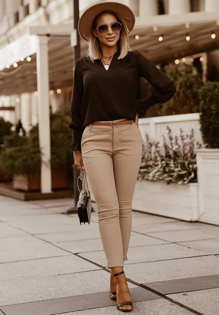Kolları Gipeli V Yaka Sandy Bluz (Siyah)