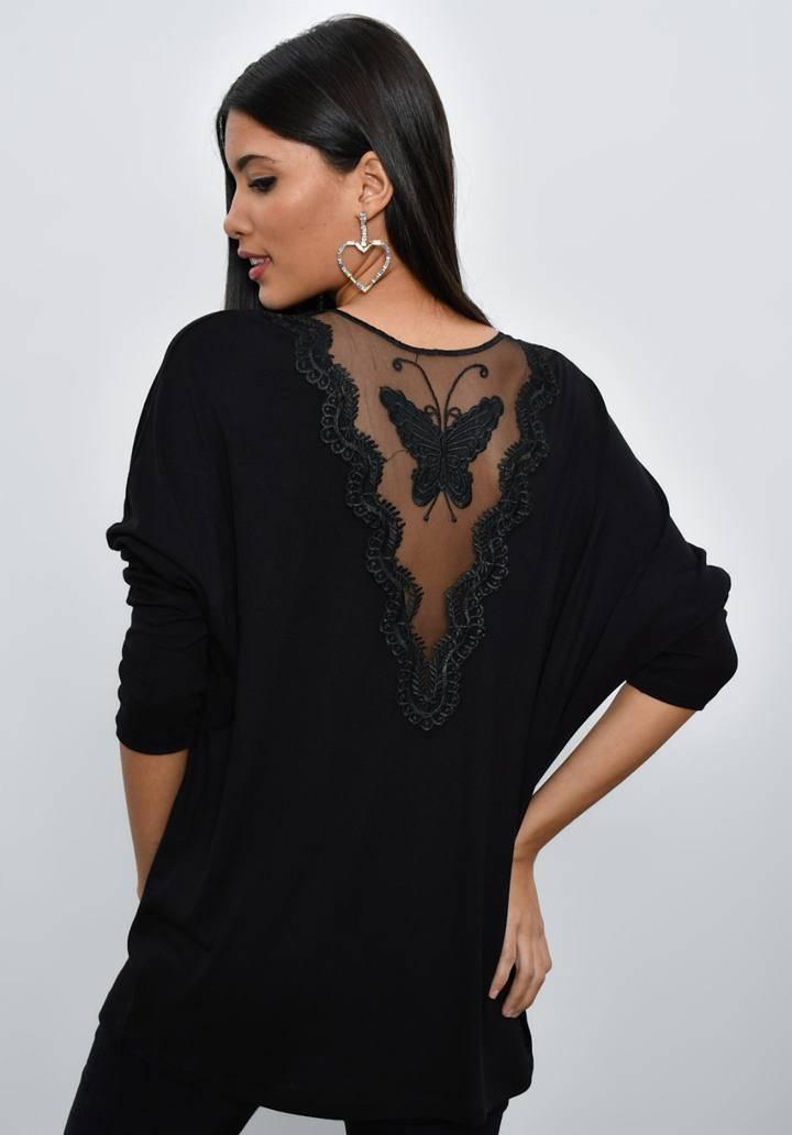 Siyah sırtı kelebekli güpürlü bluz