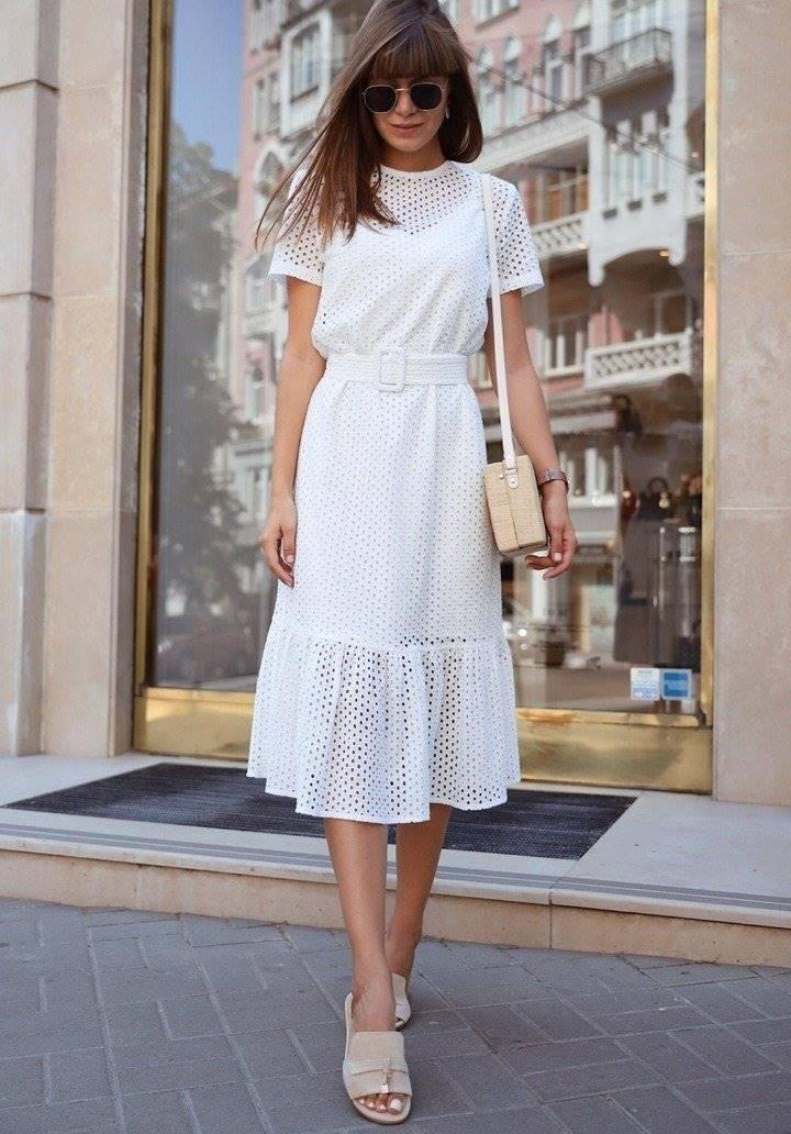 Beyaz kemerli fisto elbise