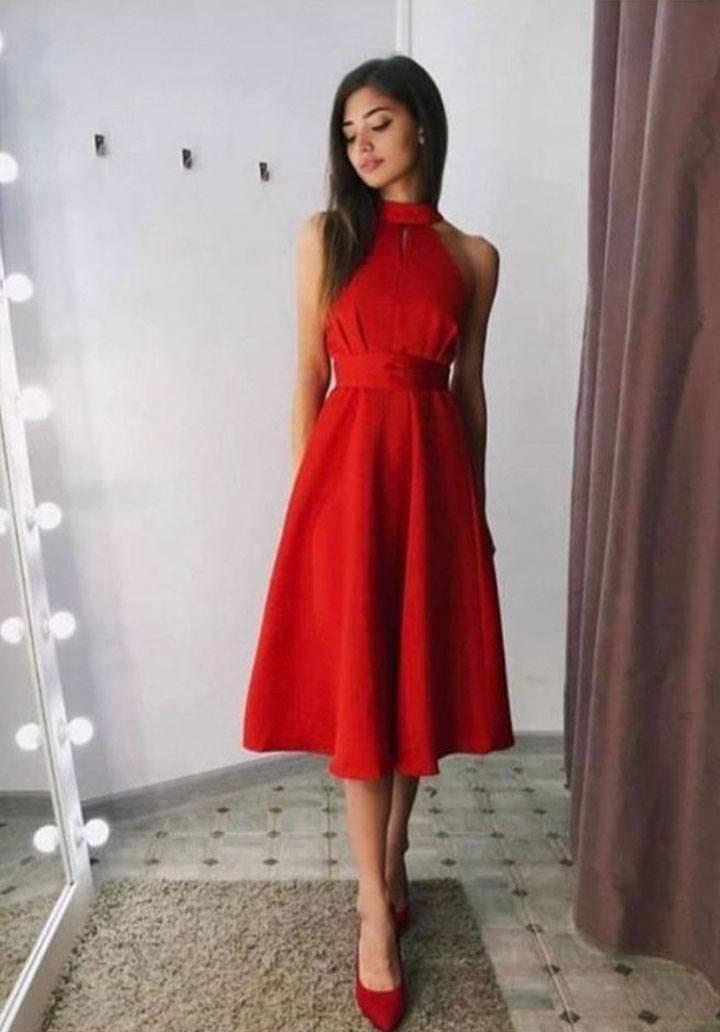 Kırmızı atlas kumaş kolsuz midi boy elbise