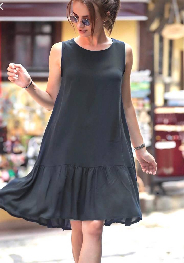 Kolsuz eteği volanlı elbise(siyah)