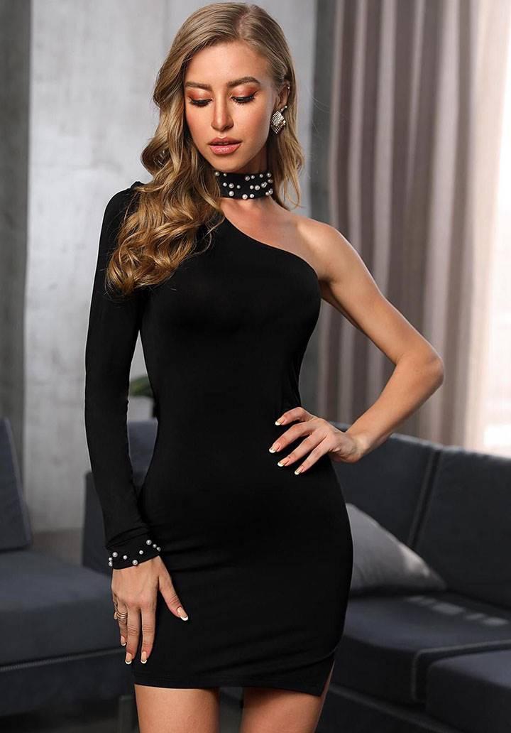 Tek omuz dekolteli inci detay elbise