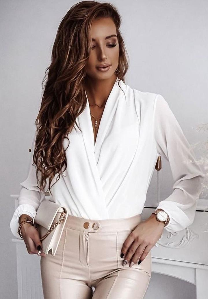 Kruvaze Yaka Sandy Kumaş Tasarım Bluz (Beyaz)