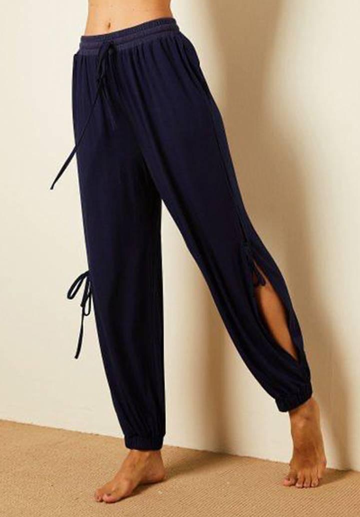 Yırtmaç Detay Paçası Lastikli Pantolon (Lacivert)