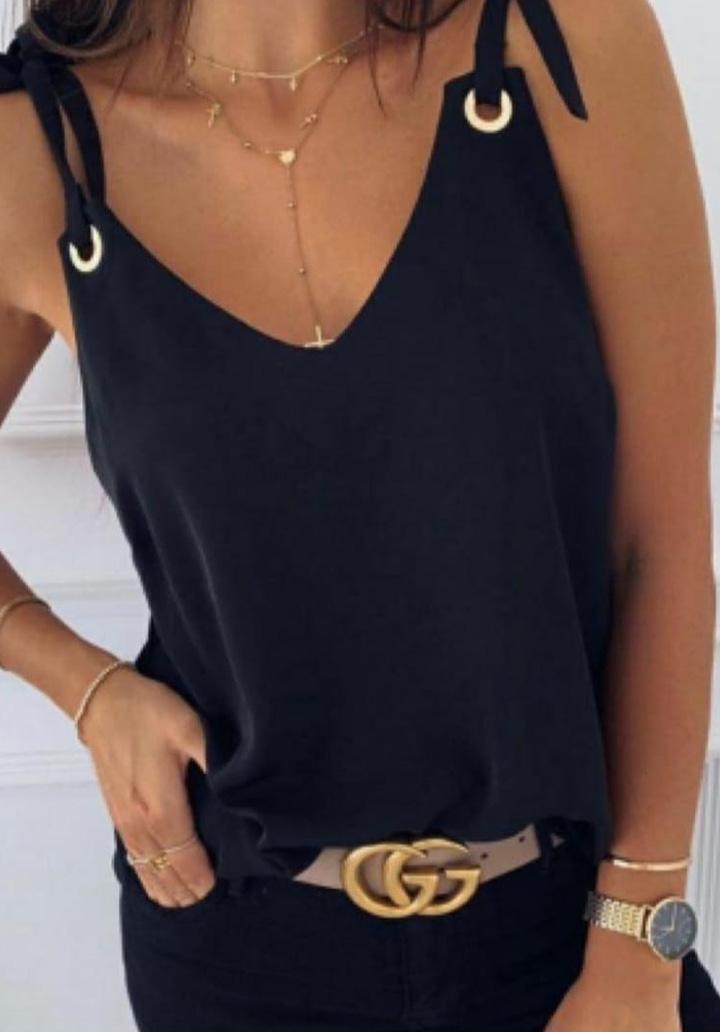 Askı Detay V Yaka Sandy Bluz (Siyah)