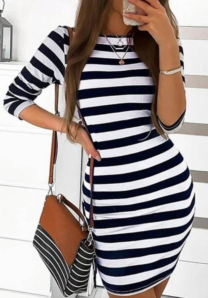 Siyah beyaz çizgili mini basic elbise