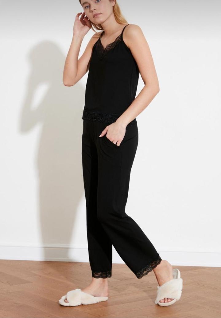 İp Askılı Gupur Detay Pijama Takımı