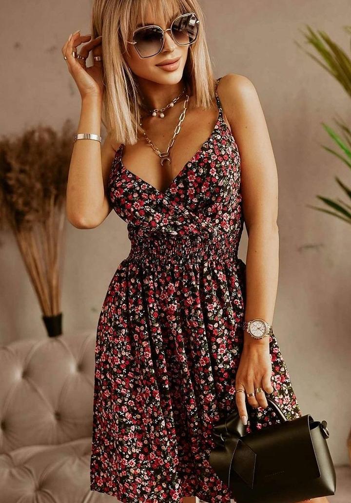 İp Askılı Kruvaze Yaka Gipeli Elbise