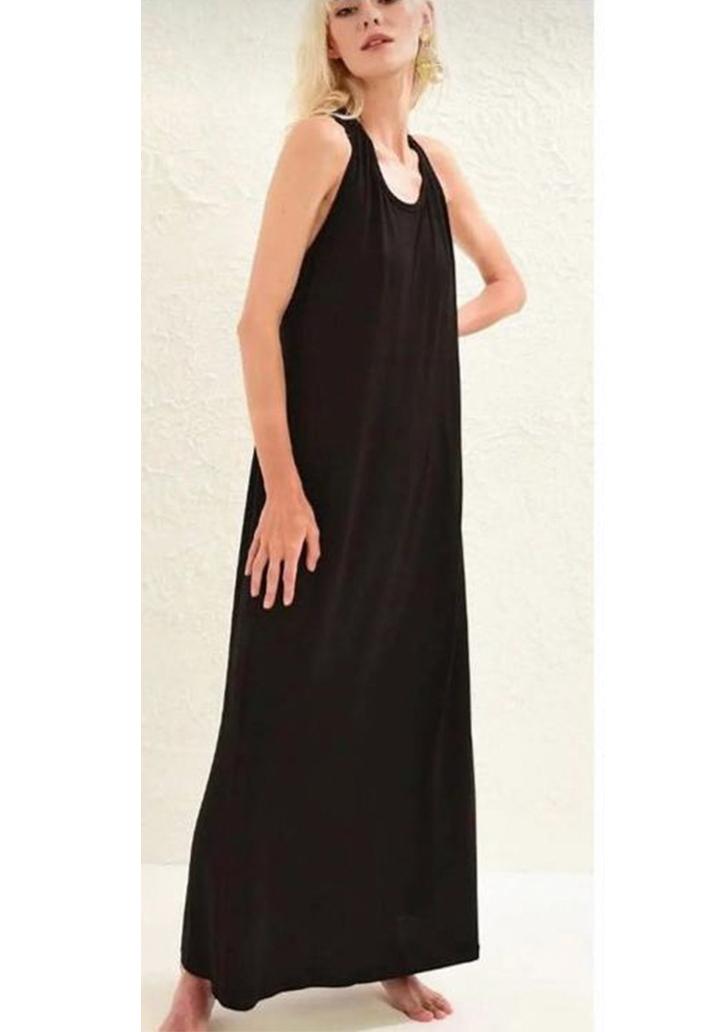 Sırt dekolteli askılı maxı boy elbise