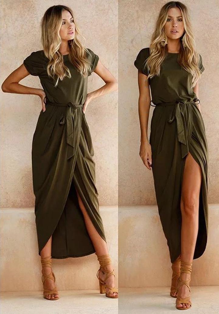 Haki kuşaklı asimetrik kesim elbise