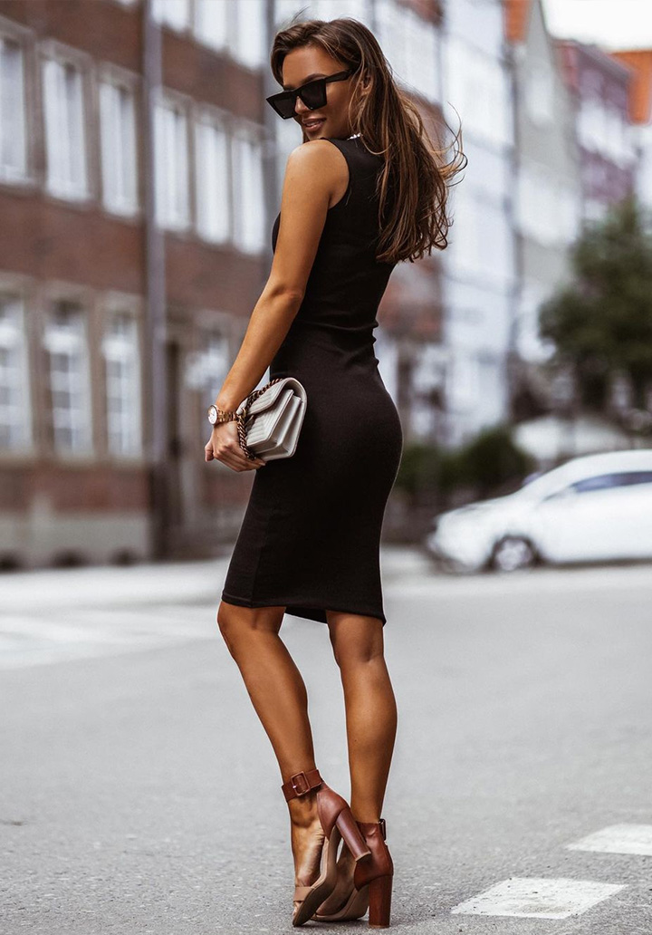 Siyah Kolsuz Kalem Elbise