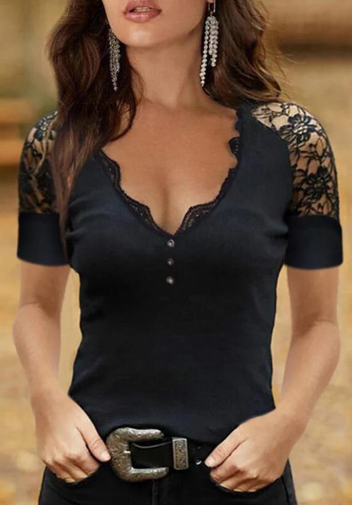 Kol Yaka Gupur Detay Düğmeli Bluz (Siyah)