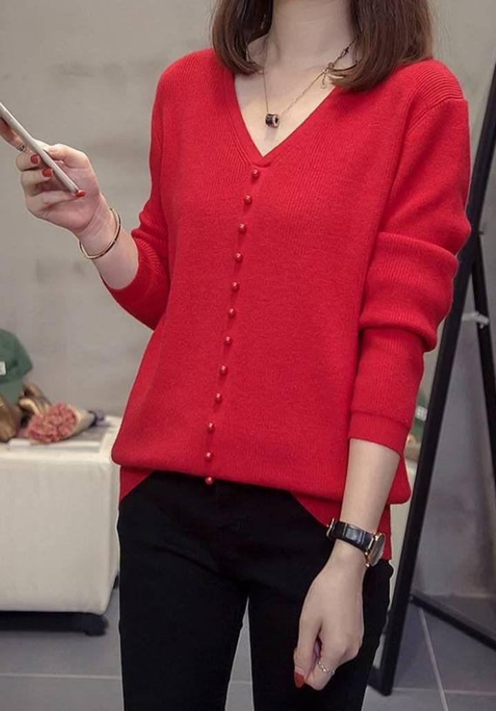V Yaka Düğme Aksesuarlı Triko Bluz (Kırmızı) - 2