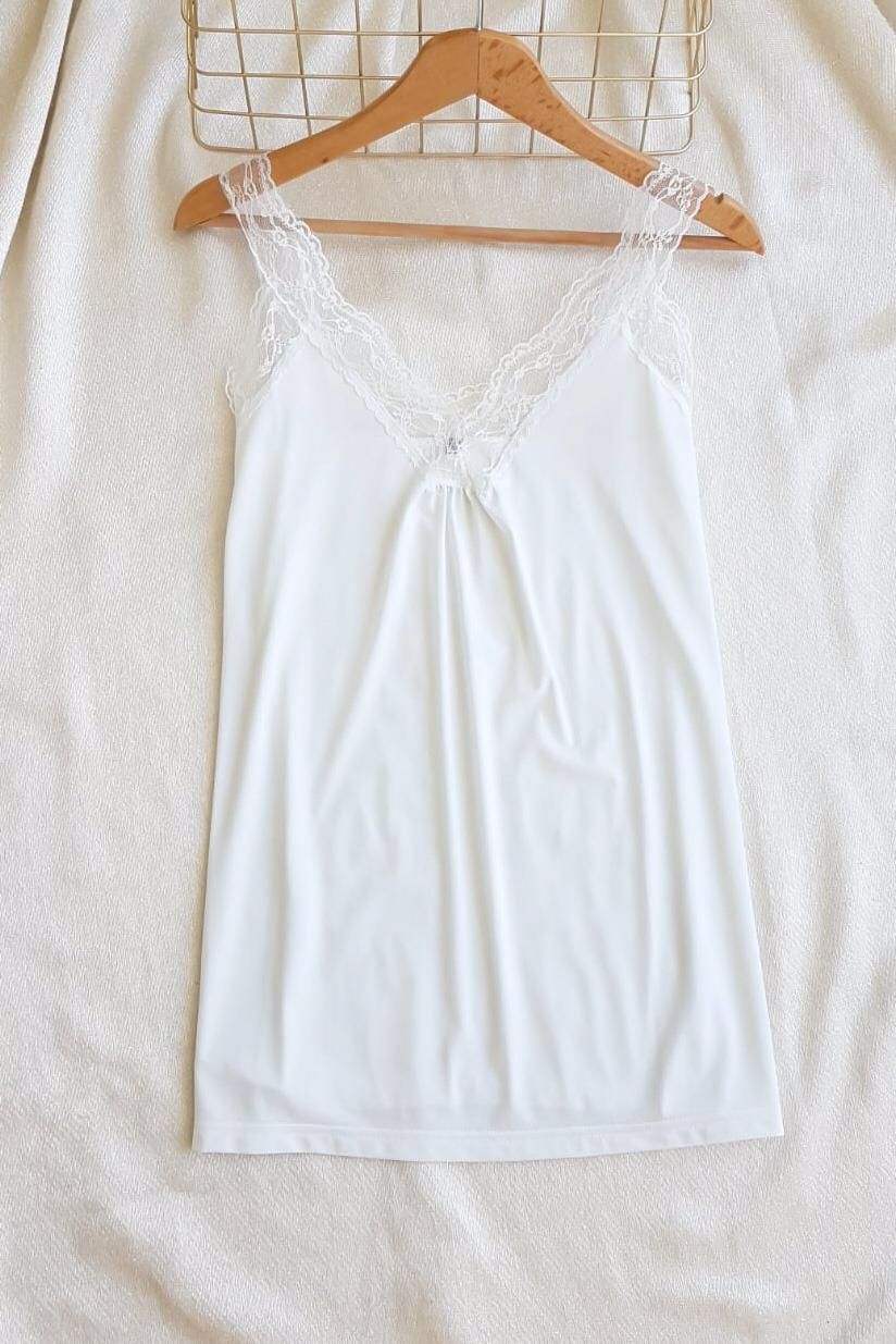 Yaka Dantel Detay Crep Bluz (Beyaz) - 3
